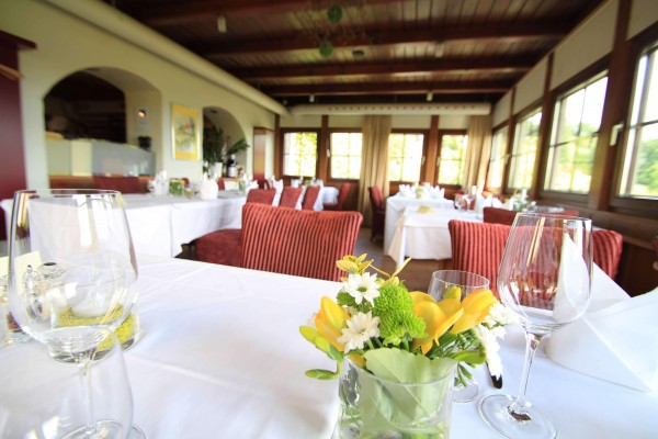 Stilvolle Veranda im Restaurant Staribacher